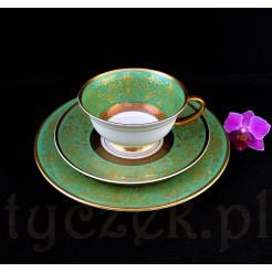 Zieleń i subteklne złoto na szlachetnej białej porcelanie
