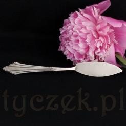 Nożyk ze względu na swój kształt doskonale sprawdzi się jako nóż serwingowy do masła.