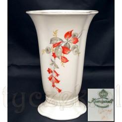 Stylowy wazon z porcelany śląskiej w piękne kwiaty