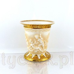 Luksusowy wazon z reliefowym zdobieniem i złoceiami