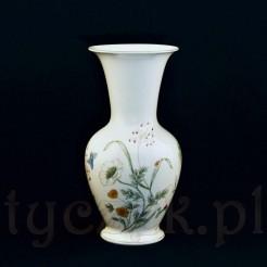 Porcelanowy wazon dekorowany motywem kwiatów i owadów