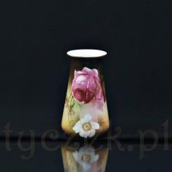 Porcelanowy wazon wykonany na Śląsku w Tułowicach