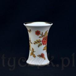 niewielki wazon wykonany ze szlachetnej porcelany