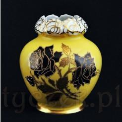 czarno złote róże na szlachetnej porcelanie Schaubach Kunst