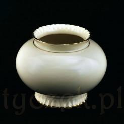 ekskluzywna porcelana dawna marki Sorau w kolorze ecru ze złotem