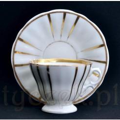 Klasyczna forma z 19 wieku śląskiej filiżanki z porcelany Wałbrzych