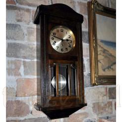 zabytkowy wiszący zegar