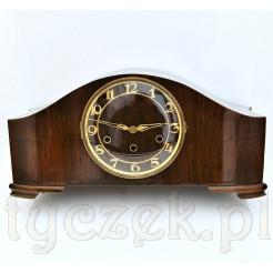Piękny okaz zegara kwadransowego w drewnianej skrzyni