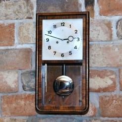Oryginalny zegar Art Deco ze sprawnym werkiem mechanicznym marki Gustav Becker