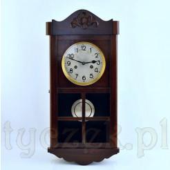 Stylowy zegar ze szprosami i markowym sercem DUFA