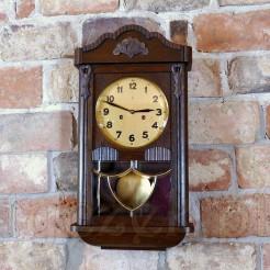 legancja i styl zegara śląskiego wiszącego marki GB Becker