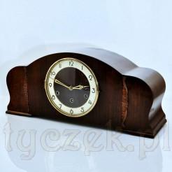 Pełen elegancji i wdzięku kwadransowy zegar antyczny