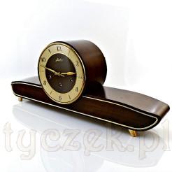 Elegancki i ponadczasowy zegar kwadransowy znakomitej marki JUNGHANS