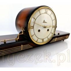 Niezwykły zegar na komodę o ponadczasowym wzornictwie
