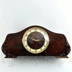 Ładny zegar w drewnianej obudowie z krakelurą