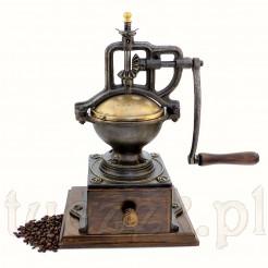 Zabytkowy młynek do kawy na korbę