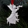 Porcelanowy aniołek na choinkę