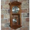 Ciepły, drewniany zegar do zawieszenia na ścianie