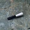 Średnica lufki sugeruje, że nadaje się do grubych papierosów lub nawet cygar