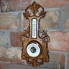 Jasny barometr z obudową z drewna litego