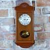 Gustowny zegar drewniany do stylowego wnętrza