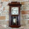 Okazały zegar ścienny z ciekawym werkiem i ciekawą obudową