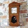 Elegancki zegar wahadłowy na ścianę
