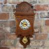 Secesyjny zegar wiszący Junghans z niebanalną koroną